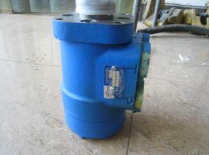供应:皇冠方向机  助力泵  汽油泵拆车件 原厂件